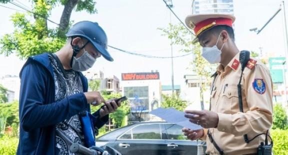 Hà Nội: Ứng dụng công nghệ thông tin để cấp giấy đi đường